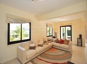 Image No.4-Maison / Villa de 4 chambres à vendre à Kouklia