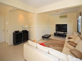 Image No.8-Maison / Villa de 4 chambres à vendre à Kouklia