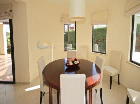 Image No.9-Maison / Villa de 4 chambres à vendre à Kouklia
