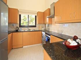 Image No.11-Maison / Villa de 4 chambres à vendre à Kouklia