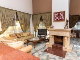 Image No.4-6 Bed Mansion for sale