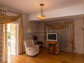 Image No.8-6 Bed Mansion for sale