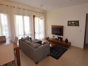 Image No.4-Appartement de 2 chambres à vendre à Kouklia