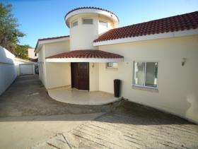 Image No.0-5 Bed Bungalow for sale