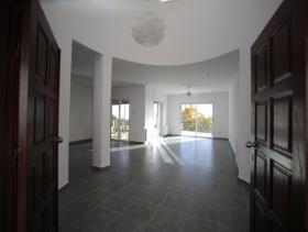 Image No.2-5 Bed Bungalow for sale