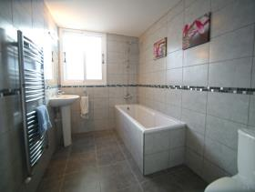 Image No.9-5 Bed Bungalow for sale