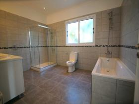 Image No.11-5 Bed Bungalow for sale