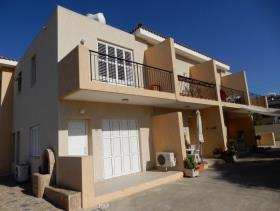Image No.3-Commercial de 12 chambres à vendre à Paphos