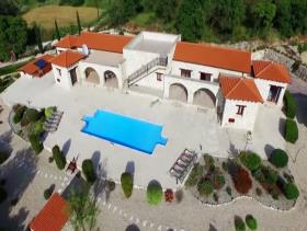 Giolou, Villa / Detached
