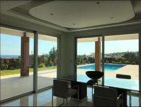 Image No.3-Villa de 4 chambres à vendre à Mouttagiaka