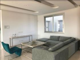 Image No.5-Villa de 4 chambres à vendre à Mouttagiaka