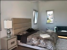 Image No.16-Villa de 4 chambres à vendre à Mouttagiaka