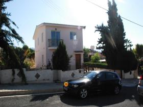 Image No.0-Maison de 3 chambres à vendre à Peyia