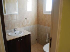 Image No.3-Maison de 3 chambres à vendre à Peyia