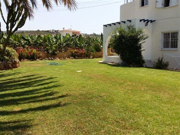 three-bedroom-villa-for-sale-at-st-george-area-of-peyia_full_15