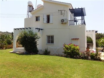 three-bedroom-villa-for-sale-at-st-george-area-of-peyia_full_14