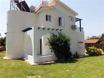 three-bedroom-villa-for-sale-at-st-george-area-of-peyia_full_17