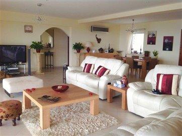 an-impressive-five-bedroom-villa-for-sale-at-akoursos_full_5