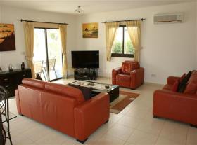 Image No.3-Maison / Villa de 3 chambres à vendre à Kouklia