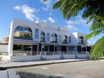 a-modern-block-of-town-houses-is-for-sale-in-coral-bay_full