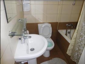 Image No.2-Appartement de 2 chambres à vendre à Mouttagiaka