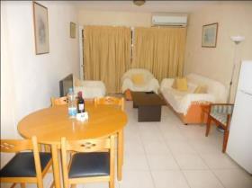 Image No.4-Appartement de 2 chambres à vendre à Mouttagiaka