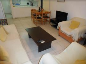 Image No.3-Appartement de 2 chambres à vendre à Mouttagiaka