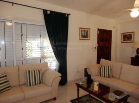 Image No.6-Maison / Villa de 2 chambres à vendre à Peyia