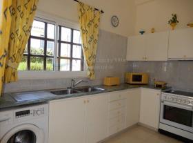 Image No.5-Maison / Villa de 2 chambres à vendre à Peyia