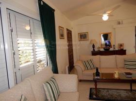 Image No.3-Maison / Villa de 2 chambres à vendre à Peyia
