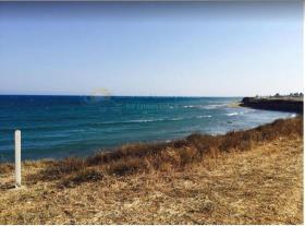 Larnaca, Land