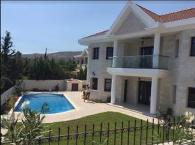 Agios Tychonas, House/Villa