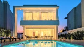 Image No.1-5 Bed Villa for sale