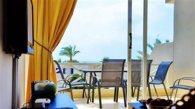 25659-town-house-for-sale-in-coral-bay_full