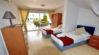 25668-town-house-for-sale-in-coral-bay_full