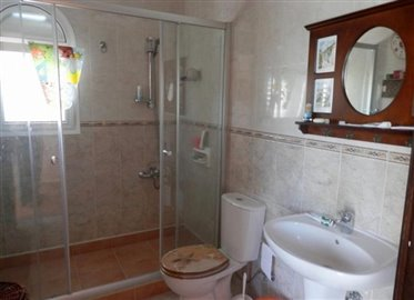 25945-detached-villa-for-sale-in-coral-bay_full