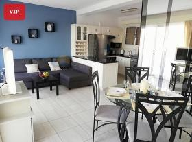 Dekeleia, Apartment