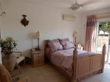 26717-bungalow-for-sale-in-peyia_full