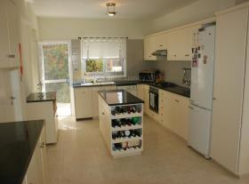 Image No.1-Villa / Détaché de 3 chambres à vendre à Empa