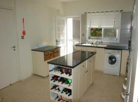 Image No.2-Villa / Détaché de 3 chambres à vendre à Empa