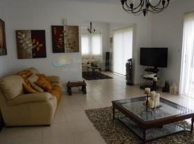 Image No.1-Maison de 4 chambres à vendre à Marathounda