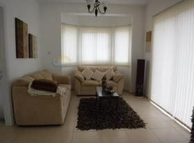 Image No.2-Maison de 4 chambres à vendre à Marathounda