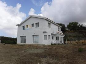 Image No.0-Maison de 4 chambres à vendre à Marathounda
