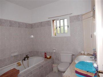 27987-bungalow-for-sale-in-timi_full