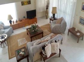 Image No.3-Maison de 3 chambres à vendre à Oroklini
