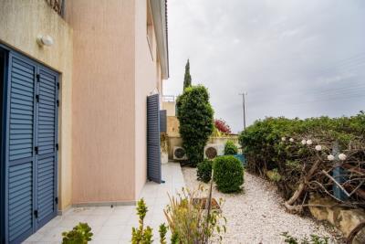 25310-town-house-for-sale-in-kissonerga_full