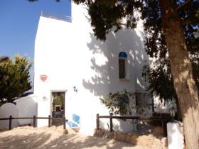 Image No.1-Maison de ville de 3 chambres à vendre à Chlorakas
