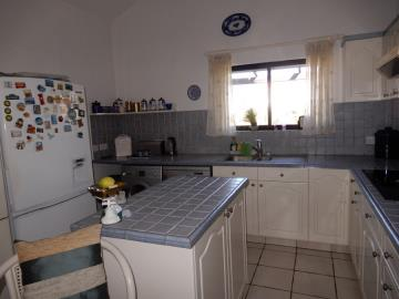 29861-bungalow-for-sale-in-sea-caves_full