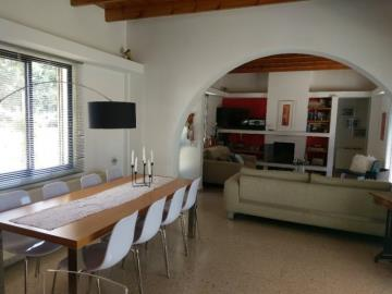 21170-a-retro-vintage-two-bedroom-bungalow-is-for-sale-in-mesa-chorion_full