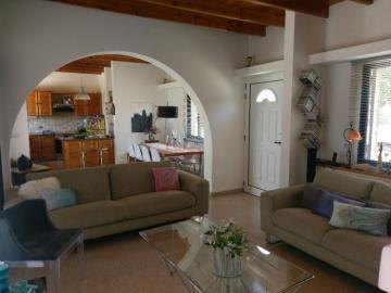 21171-a-retro-vintage-two-bedroom-bungalow-is-for-sale-in-mesa-chorion_full